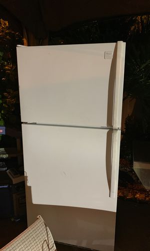 Whirpool refrigerator for Sale in Miami, FL