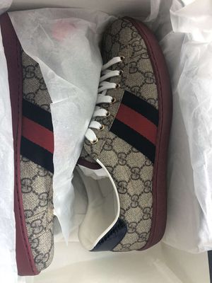 Gucci shoes size 10 for Sale in Kent, WA