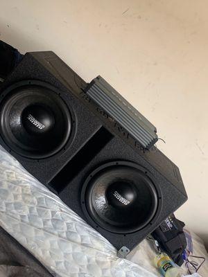 "Sundown audio 12""s pro box hiphonics 2500 for Sale in Houston, TX"