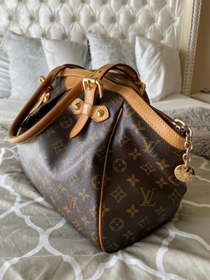 Louis Vuitton bag Authentic Tivoli GM for Sale in Virginia Beach, VA