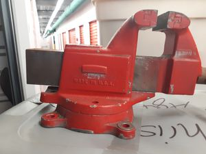 Heavy duty vise for Sale in North Fort Myers, FL