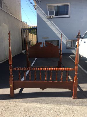 Solid spiral wood Beautiful queen bed for Sale in San Diego, CA