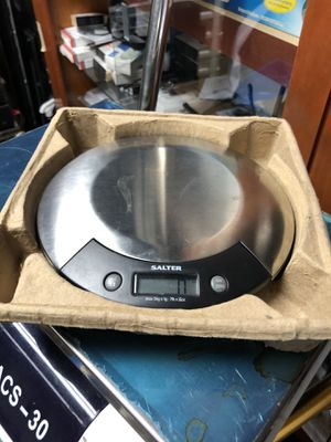 Salter Electronic Kitchen Scale for Sale in Miami, FL