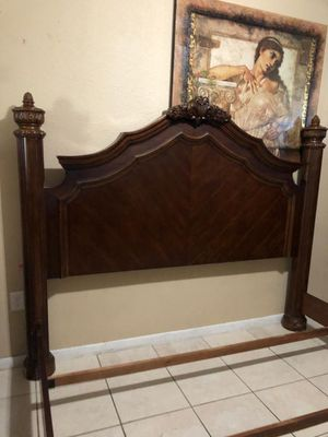 King bed frame no mattress for Sale in Miami, FL