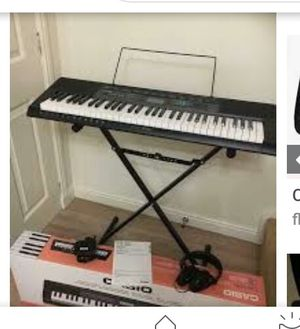 Casio keyboard w/ stand for Sale in Coral Springs, FL