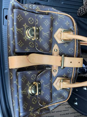 Louis Vuitton Manhattan GM hand bag for Sale in Houston, TX
