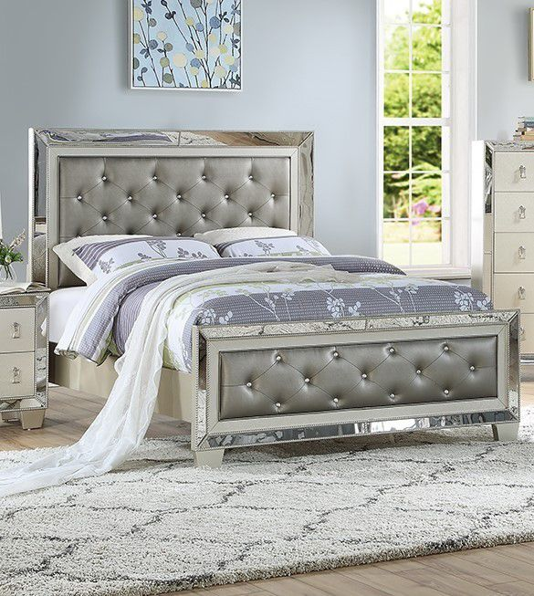 VINTAGE GLAM SILVER GRAY FINISH MIRROR TRIM PADDED PANELS QUEEN SIZE BED FRAME - CAMA - NO INCLUYE COLCHON SOLO MARCO