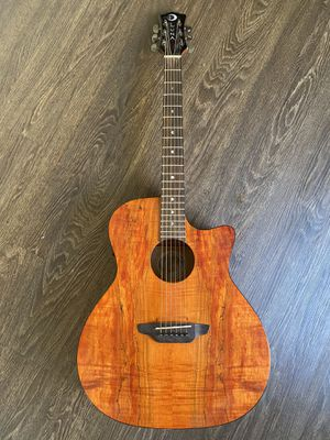 LUNA acoustic guitar COMES WITH BAG for Sale in Los Angeles, CA