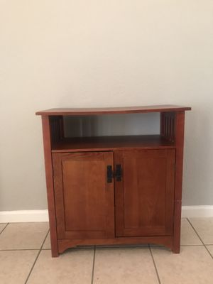 Tv stand with storage! $20 or best offer for Sale in Miami, FL