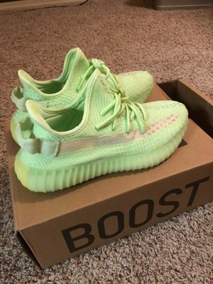 """Yeezy Boost 350 v2 """"Glow"""" for Sale in Tampa, FL"""