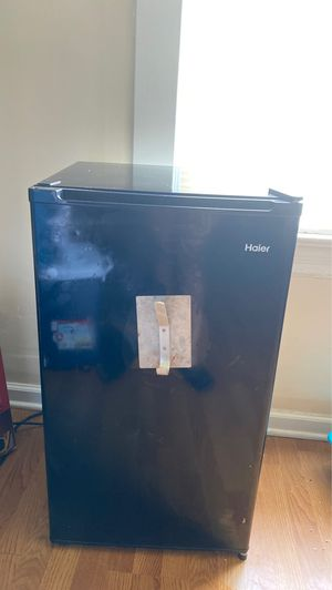 Haier mini refrigerator for Sale in Pittsburgh, PA