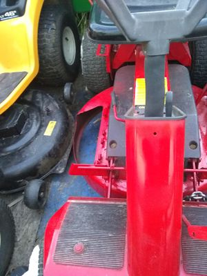 Riding lawnmower that runs, drives, and cuts good for Sale in Auburn, WA