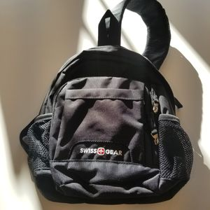 Bag, Sling, Swiss Gear, padded & compartments for Sale in St. Louis, MO
