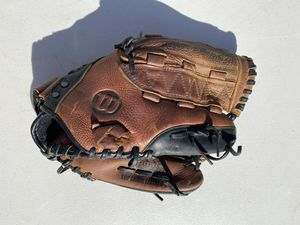 Wilson demarini softball glove for Sale in Neptune City, NJ