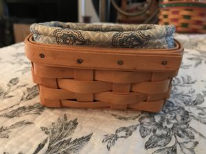 Longaberger basket 2000 with liner for Sale in San Antonio, TX