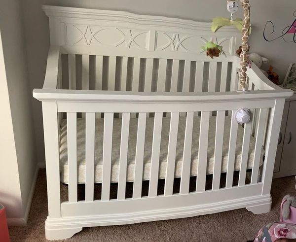 """New """" Baby Caché"""" Crib never used with mattress"""