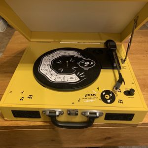 PORTABLE RECORD PLAYER for Sale in San Diego, CA