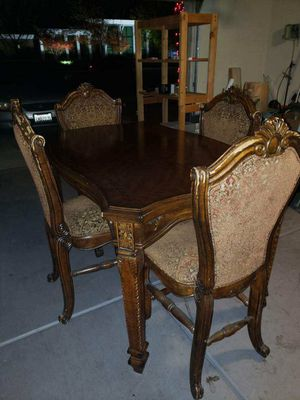 Michael Amini (aico) chairs and Table for Sale in Fowler, CA
