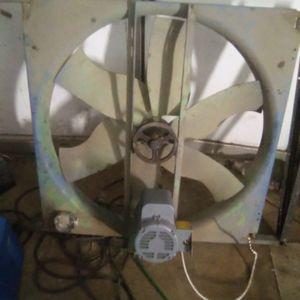 """32"""" industrial fan for Sale in Reedley, CA"""