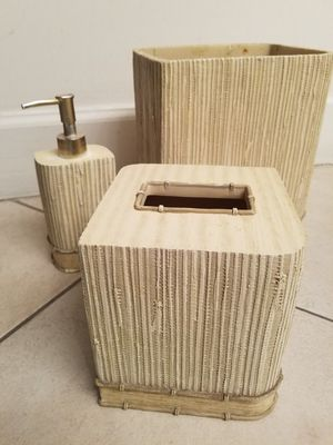CERAMIC BAMBOO DESIGN BATHROOM SET WITH WASTE CAN .. TISSUE BOX COVER & SOAP DISPENSER for Sale in Pembroke Pines, FL