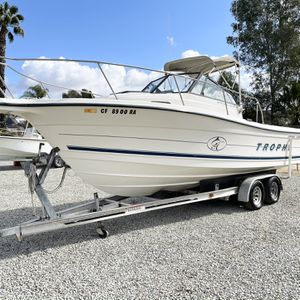 1997 trophy 25 ft walkaround 5.7 merCruiser inboard runs great for Sale in Wildomar, CA