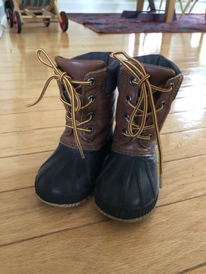 Gap Kids size 7/8 snow boots for Sale in San Antonio, TX