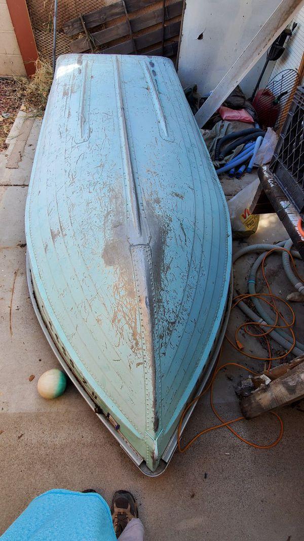 Mirrocraft Fishing Boat