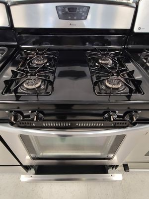 Amana gas stove used in good condition with 90day's warranty for Sale in Mount Rainier, MD