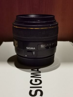 Sigma 30mm f/1.4 Canon mount for Sale in Seattle, WA