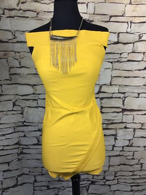 Yellow Dress sz M for Sale in Sacramento, CA