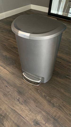 Simple human trash can for Sale in Bakersfield, CA