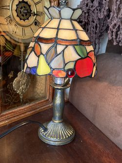 Vintage Stained Glass colorful Desk Lamp for Sale in Tualatin,  OR
