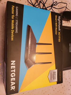Netgear WiFi router with extender for Sale in Jamestown, NC