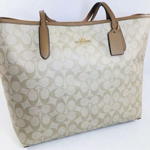 Coach Signature City Tote for Sale in Cleveland, OH