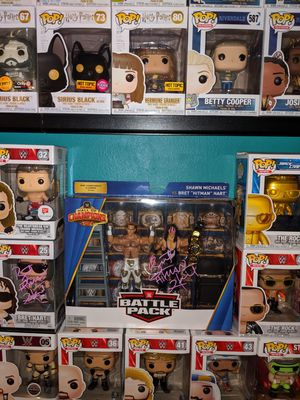 WWE Bret Hart signed action figure for Sale in Los Angeles, CA