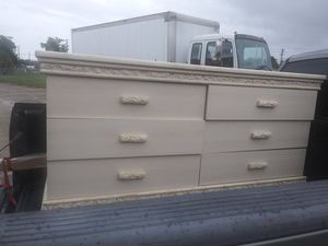 Queen or king size bedroom set for Sale in Wahneta, FL