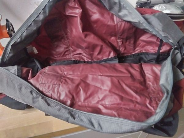 Eagle creek duffle bag