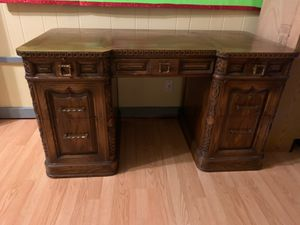 Antique desk for Sale in Creve Coeur, MO