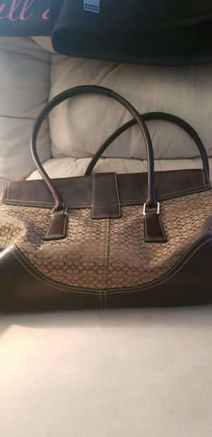 ORIGINAL COACH PURSE. BROWN AND TAN. NO TEARS OR RIPS. SLIGHTLY USE.d for Sale in Sebring, FL