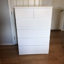 IKEA Malm 6 drawer tall dresser- White for Sale in Snoqualmie,  WA