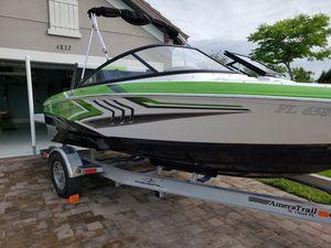 2015 20ft Regal Sport Ski Boat stores in garage for Sale in Cumming, GA