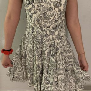 XS White and Black dress for Sale in Miami, FL