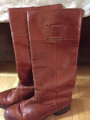 FRYE- Amelia Logo- Size 8.5 for Sale in Philadelphia, PA