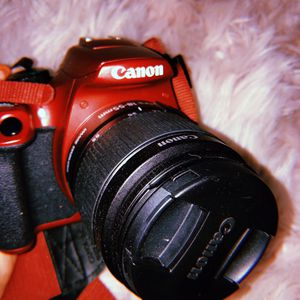 Canon Rebel T6 1300D for Sale in Templeton, CA