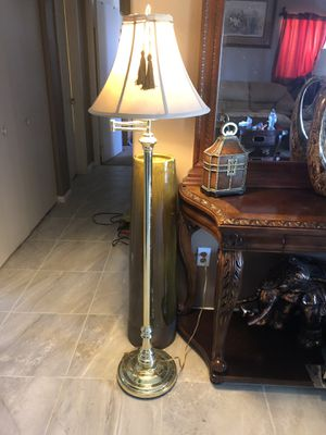 Floor lamp $25 for Sale in North Las Vegas, NV