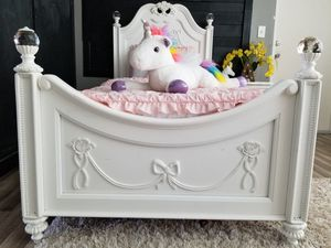Girls twin princess bed for Sale in Largo, FL