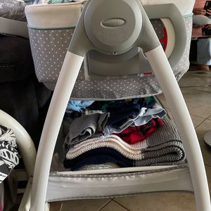 Changing Table Bassinet for Sale in Costa Mesa, CA
