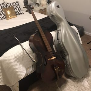 Full size cello with hard case for Sale in Kernersville, NC
