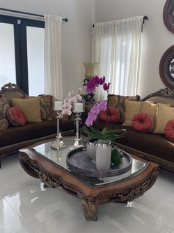 Living Room Set 3 Table 2 Lamp And Sofa Y Love Seat for Sale in Miami,  FL