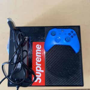 Xbox One Console + Controller for Sale in Tempe, AZ